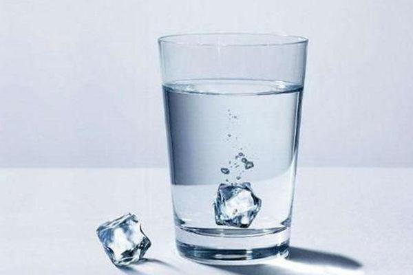 你最想喝掉哪杯水?测一测你的心理负担