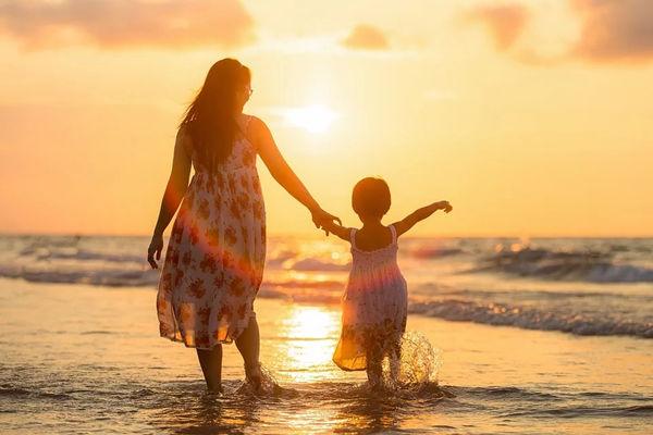 原生家庭的影响是一生的,不能急于求成