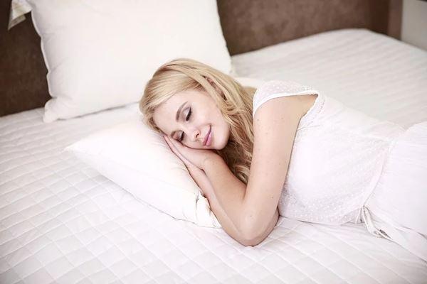从睡觉姿势和习惯,透视一个人的秉性