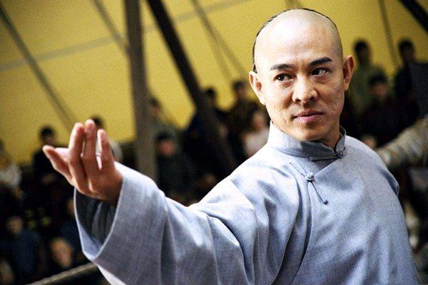 李连杰,他在功成名就后,选择了后退