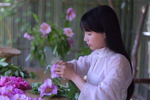 李子柒让全世界人知道中国的农村都很美